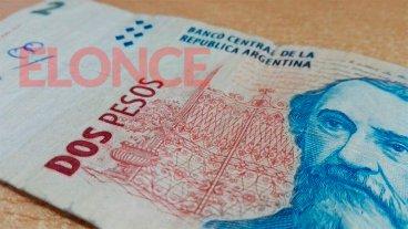 Instaron a denunciar a comerciantes que no aceptan los billetes de dos pesos