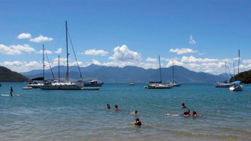 Incertidumbre en las agencias de turismo por la escalada del dólar