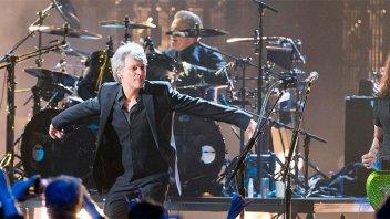Bon Jovi entró al Salón de la Fama del Rock y tocó con la formación original