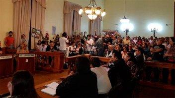 Aprobaron ordenanza que prohíbe el glifosato en Gualeguaychú