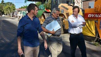 Varisco recorrió las obras del plan integral de recuperación de la trama vial