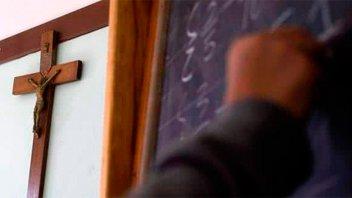 Con un amparo, piden eliminar la religión de las escuelas públicas de Tucumán