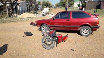Protagonizaron un accidente y les retuvieron la moto que no estaba en regla