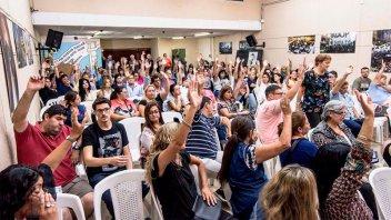 En Santa Fe, docentes aceptaron la propuesta salarial
