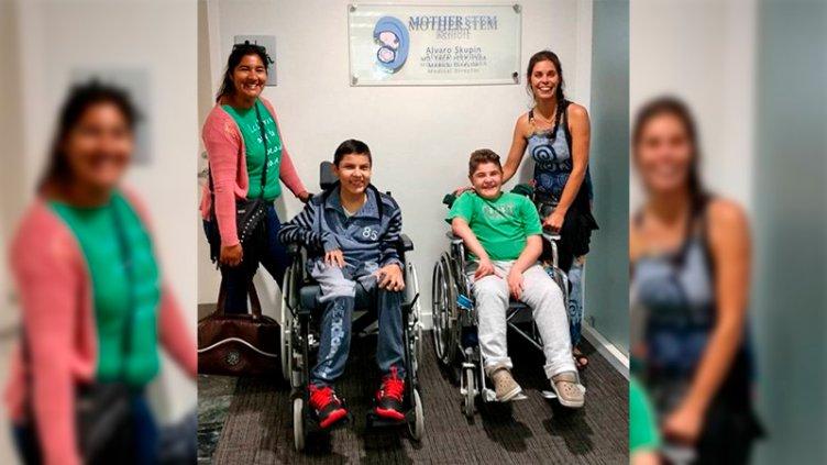 Vuelve a casa el niño con distrofia muscular que viajó a EEUU por su tratamiento