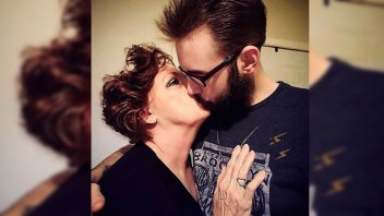 Ella tiene 73 y su esposo 19: Se casaron a las dos semanas de conocerse