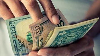 El dólar trepó 29 centavos pese a otra fuerte intervención del Banco Central