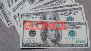 El dólar bajó casi un peso a lo largo de la semana y cerró a 28,62 pesos