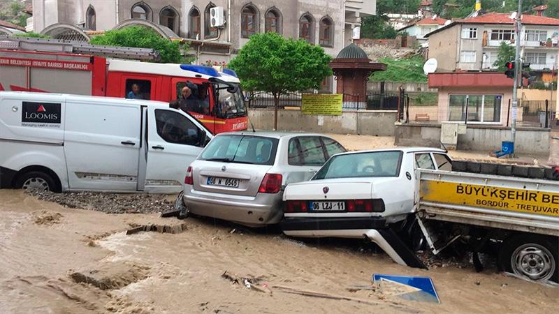 [VIDEO] Cámaras registran la peor inundación en Turquía en 500 años