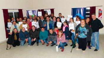 Familias de Paraná recibieron las escrituras de sus viviendas sociales