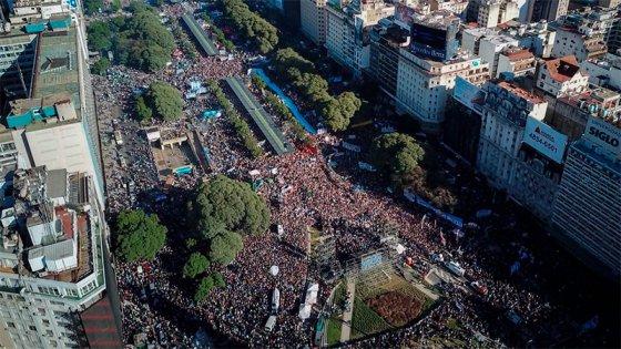 Qué dice el texto que se leyó tras la multitudinaria marcha contra el FMI