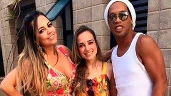 Ronaldinho desmiente rumores de boda con dos novias: