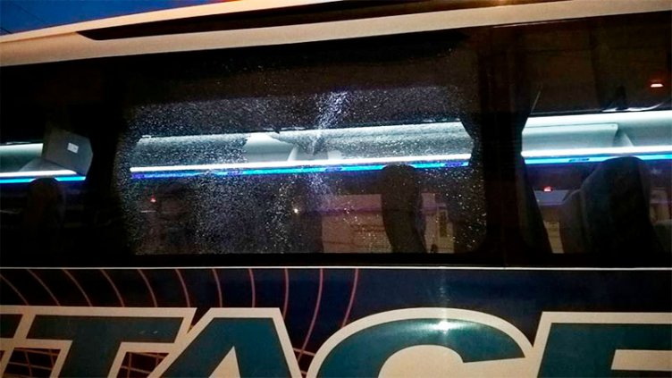 Atacaron a piedrazos a colectivos que realizan el recorrido Paraná- Santa Fe