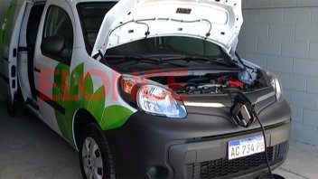 Enersa puso en funcionamiento dos camionetas 100% eléctricas