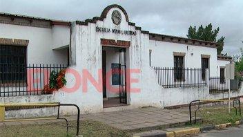 Firmaron el contrato para ampliar y refaccionar la escuela Nº 204 Libertad