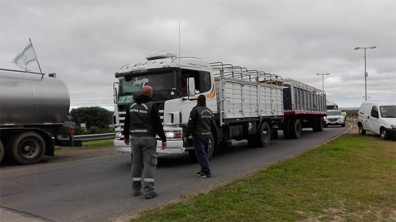 Camiones en Ceibas.