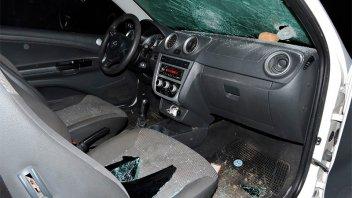Una casa y un auto fueron apedreados en represalia por una pelea de adolescentes