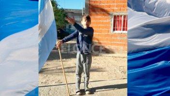 Pasión por la Bandera: El conmovedor video de un niño de primer grado