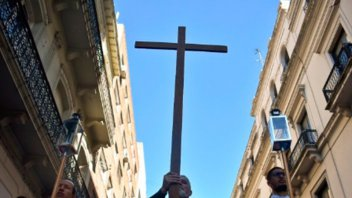 Presentaron proyecto para que el Estado deje de financiar a los obispos