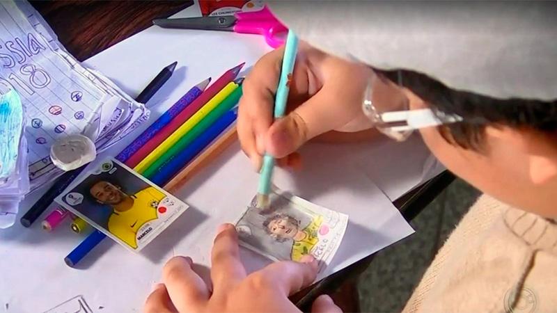 ADORABLE. Niño dibuja sus propias estampas para álbum de Rusia