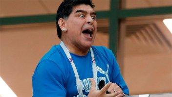 Maradona alentó a la Selección con el fervor de siempre y los nervios de punta