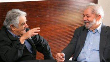 Mujica visitó a Lula en prisión