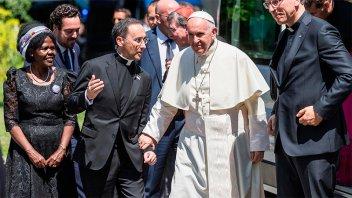 El Papa reclamó inversiones para da trabajo y educación a los migrantes