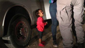 La historia detrás de la foto de la niña inmigrante que llora sin consuelo