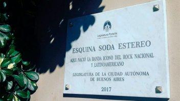 Homenajearon a Soda Stereo con una placa pero escribieron mal el nombre