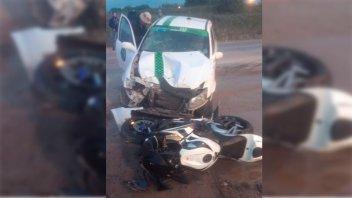 Dos heridos tras un choque entre una moto y un remís