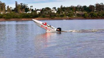 Desafío náutico: Más de 35 lanchas corrieron una