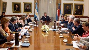 Varios temas se trataron en la reunión de gabinete encabezada por Bordet