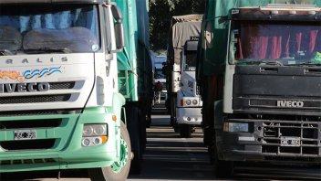Las multas a camiones por exceso de carga llegarían a $250.000 en Córdoba