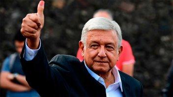 López Obrador gana con amplia ventaja la elección presidencial de México