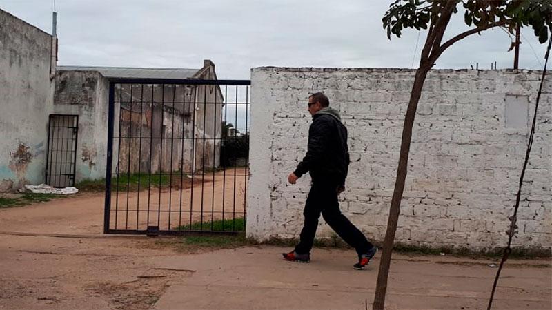Marcelo Galarza, al entrar a la Comisaría de la Mujer, en Gualeguaychú.