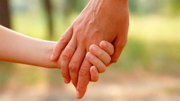 Abren una convocatoria nacional para adoptar a una niña