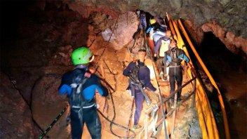 Expectativas por el inicio del rescate de los niños atrapados en la cueva