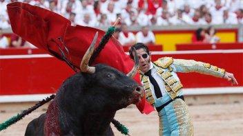 Toro le arrancó parte del cuero cabelludo a un torero