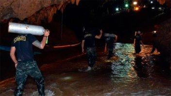 Más cerca de un final feliz: Ya rescataron a 11 chicos de la cueva en Tailandia