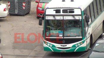 Colectiveros de líneas urbanas continúan con el corte del servicio de 22 a 6