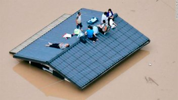 Al menos 140 muertos por las lluvias y aludes en Japón: Buscan sobrevivientes
