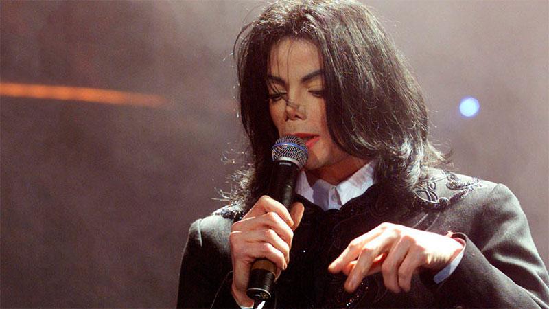 Michael Jackson en el teatro Apollo de Londres, el 7 de marzo de 2001.