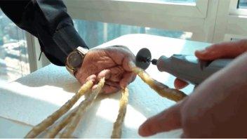 El hombre con las uñas más largas del mundo contó por qué las dejó crecer