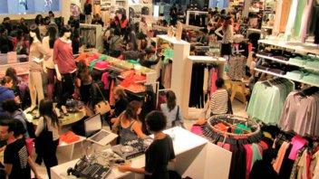 Por la devaluación, los argentinos dejan de hacer compras en Chile