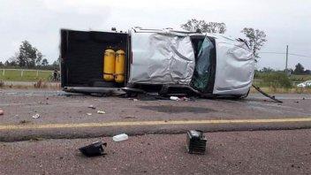 Volcó una camioneta sobre la Autovía Artigas y hubo tres hospitalizados