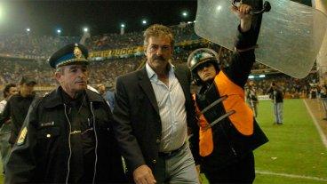 Ordenan detener al entrenador Ricardo La Volpe por acoso sexual