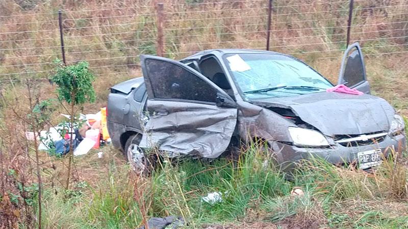 Una mujer y su hija murieron tras un vuelco en Ruta 12.