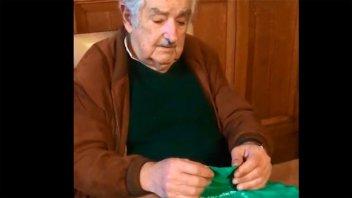 Mujica respaldó el aborto legal en Argentina y pidió que los hombres se callen