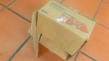 Asaltaron un comercio con cajas de cartón en la cabeza para no ser reconocidos