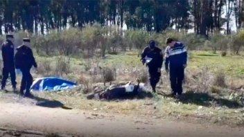 Murió un hombre al derrapar con su moto: Iba con casco y a alta velocidad